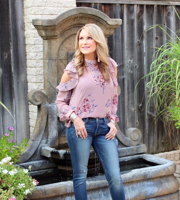 Instagram Post: Floral top perfect spring transition!